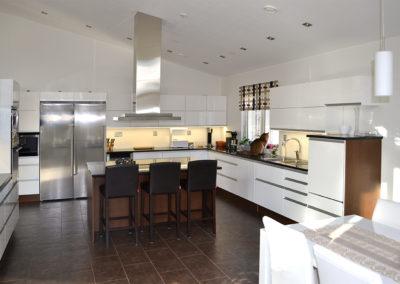 valkoinen_keittiokalusteet